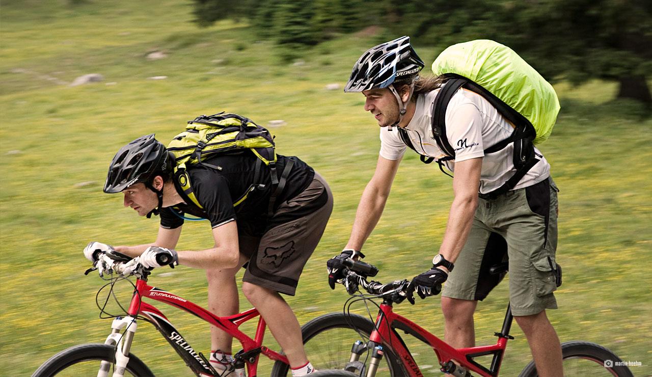 mountainbiker in tirol